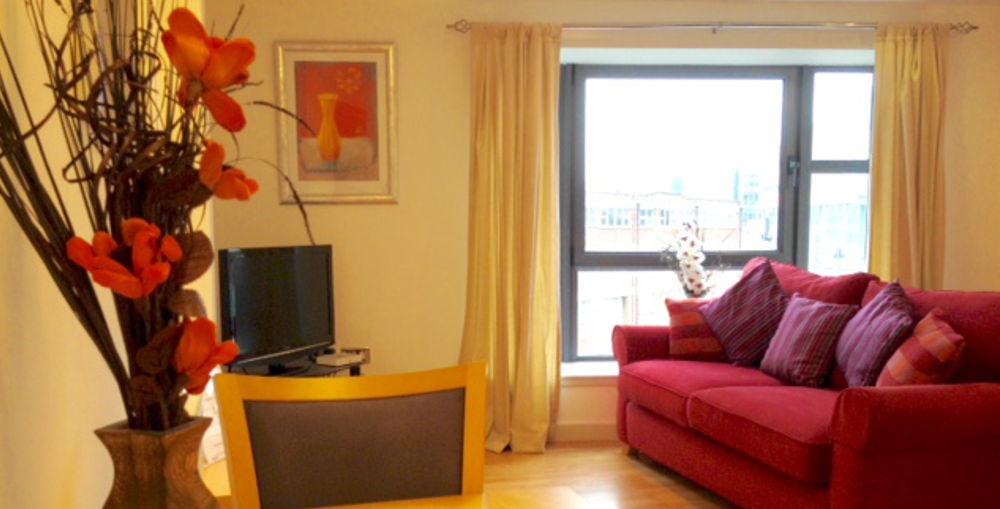 एक-बेडरूम अपार्टमेंट, बाल्टिक क्वेस